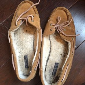 Shoes - Very used sperry a